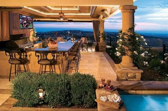 Lisa Stewart Design Outdoor Kitchen 3